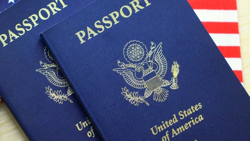 What are documents required for US passport application?